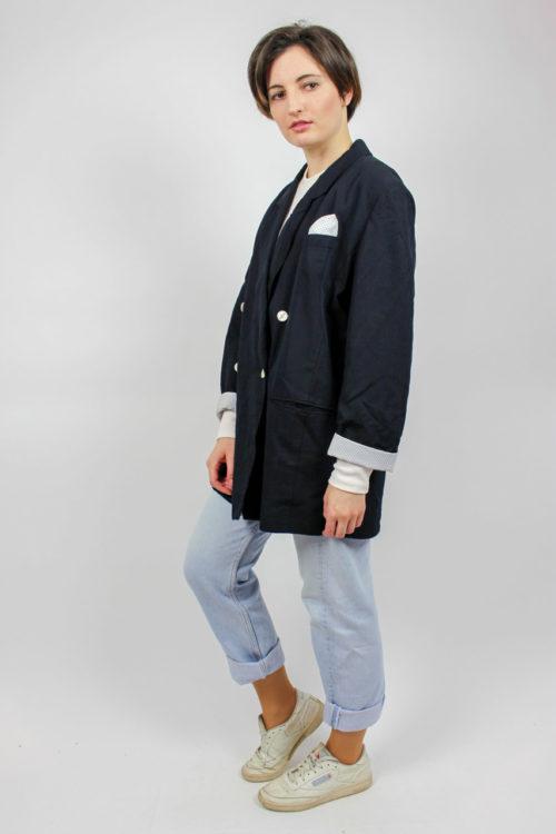 Jacke schwarz helle Knöpfe