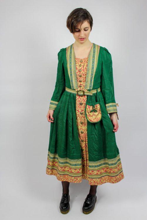 Kleid grün bunte Bordüre