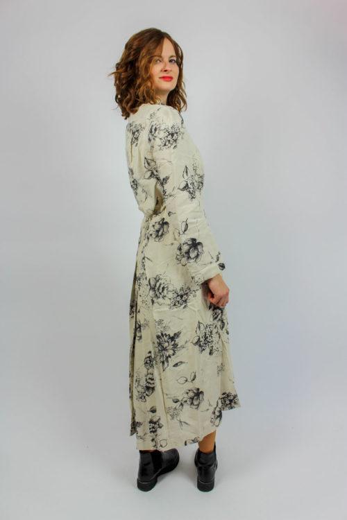 Kleid weiß schwarze Blumen