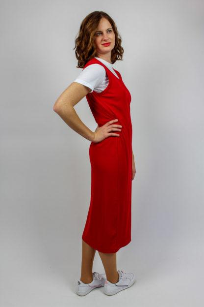 rotes Trägerkleid midi