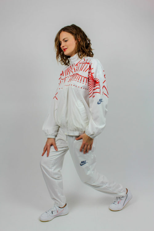 weißer Trainingsanzug Nike