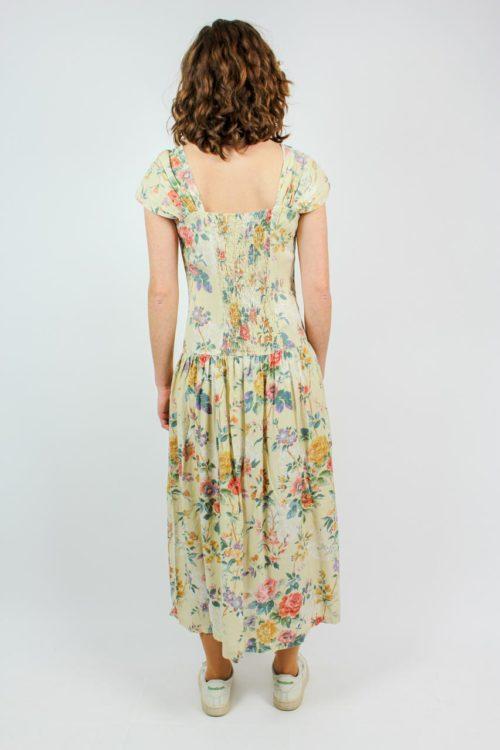Kleid beige ärmellos