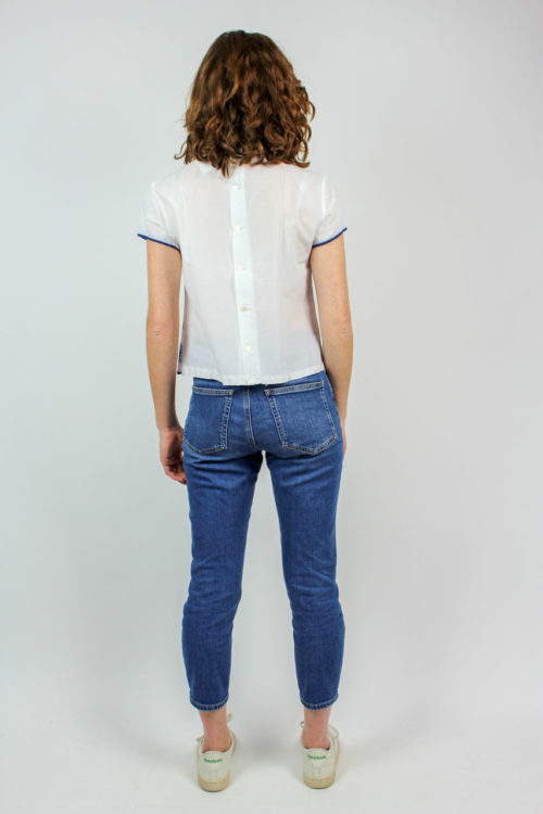 weiß blaue Bluse
