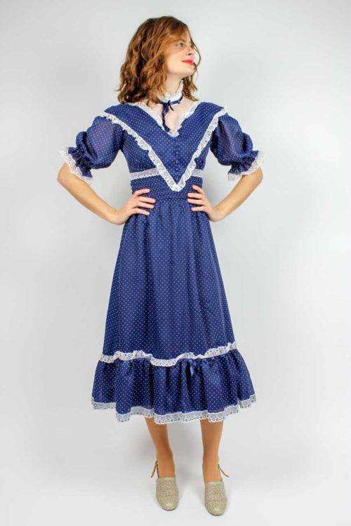 Blaues Kleid weiße Punkte