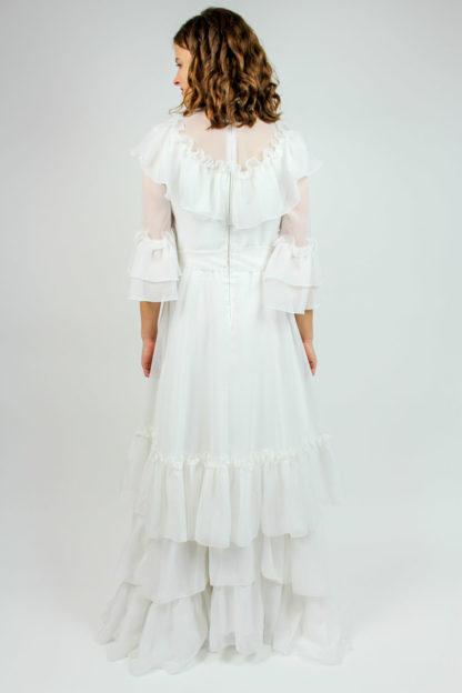 Brautkleid mit Rüschen