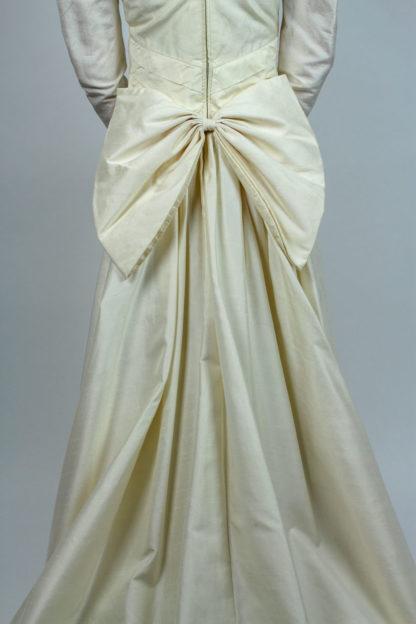 Brautkleid mit Schleife