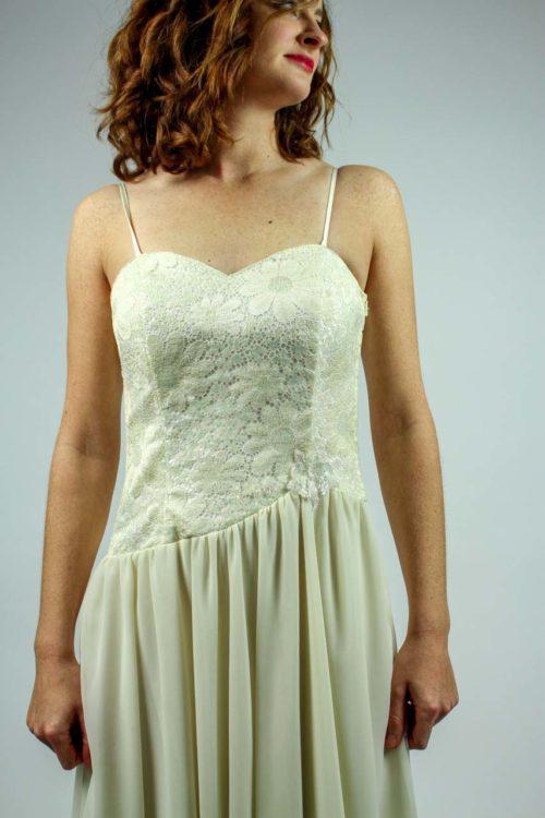Brautkleid mit Trägern