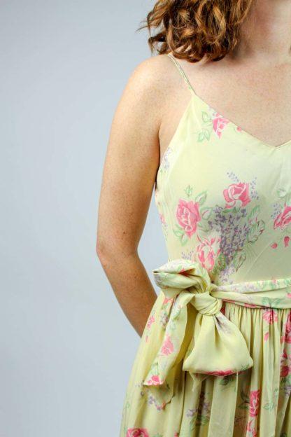 Kleid gelb geblümt