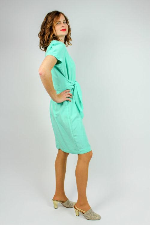 Kleid mit Taillenband