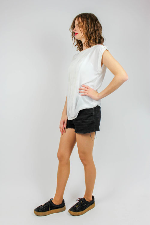 weiße Bluse ärmellos