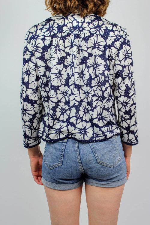 Blau weiße Jacke