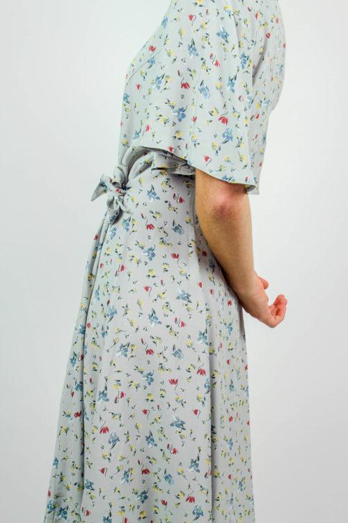 Kleid kurzarm blau geblümt
