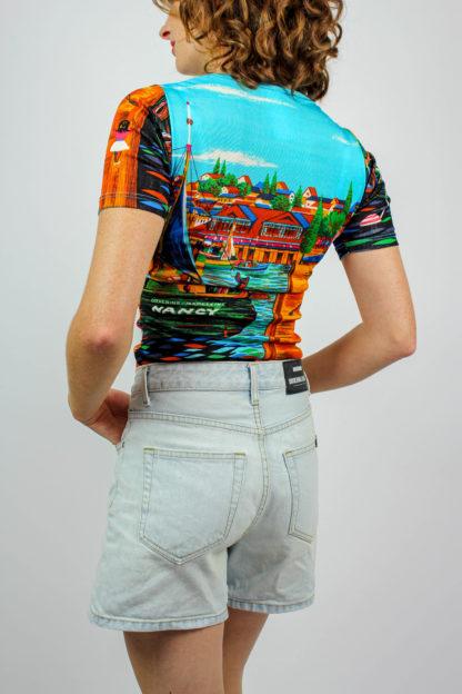 T-Shirt bunt gemustert