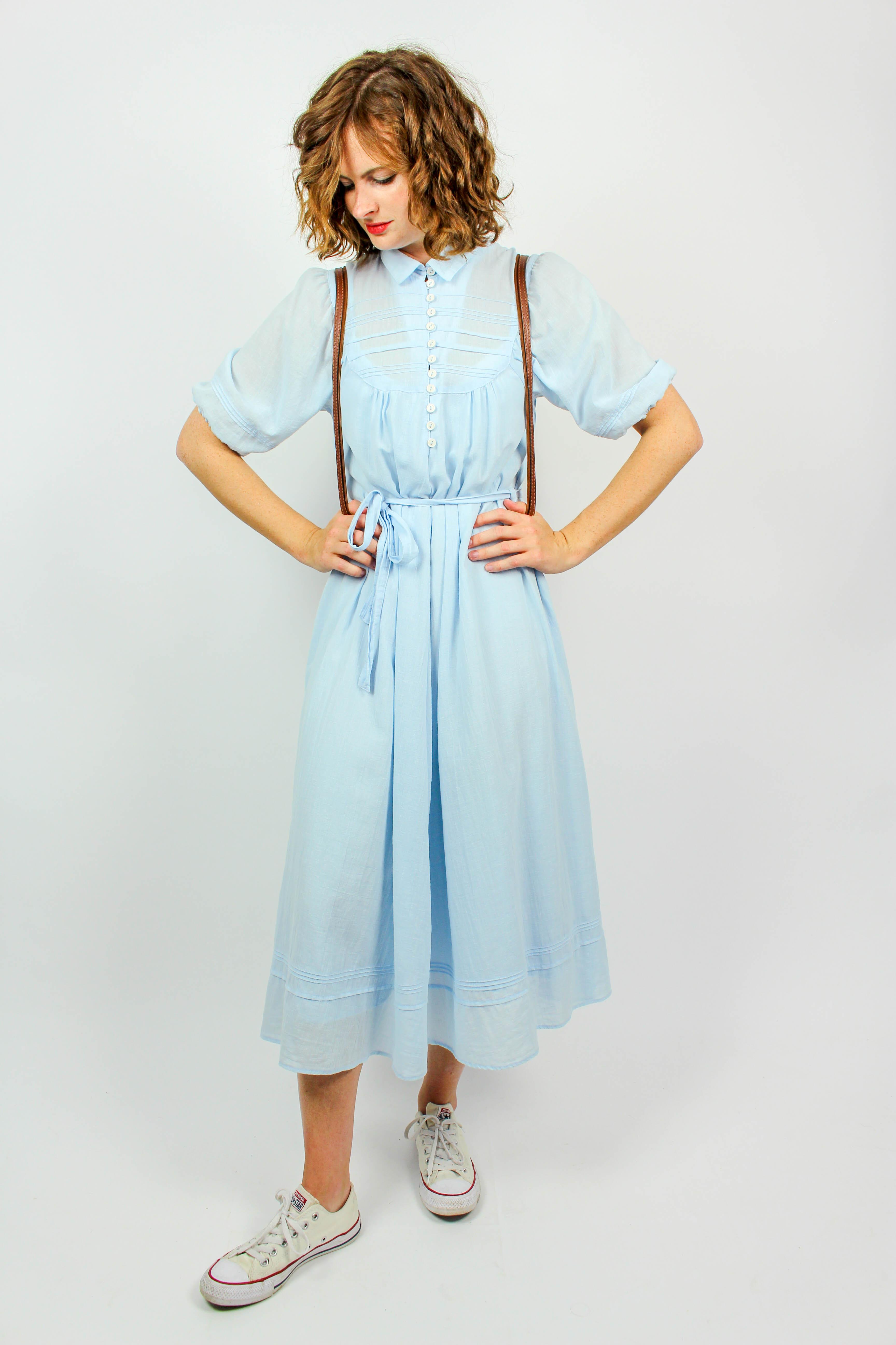 Kleid hellblau mit Gürtel Chrisi | Oma Klara