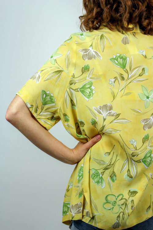gelbe Bluse florales Muster