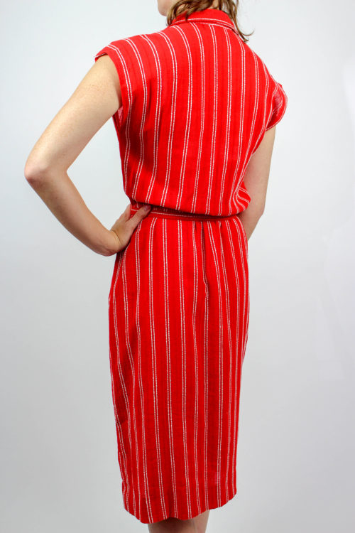 rotes Kleid ärmellos