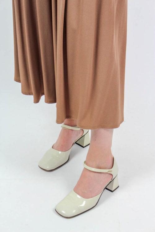 Schuhe creme Secondhand