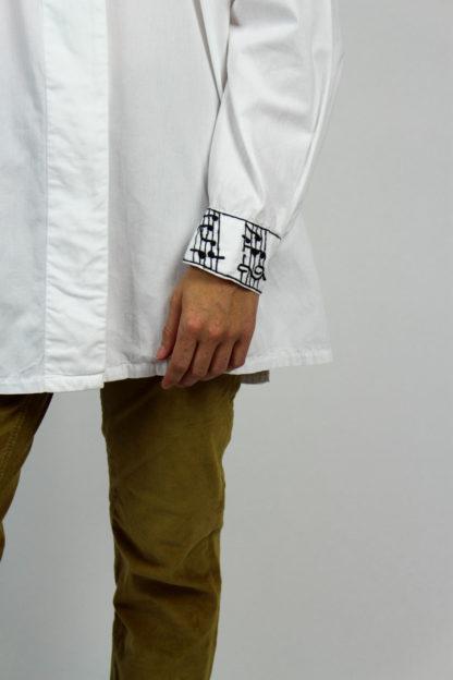 Bluse weiß schwarzes Muster